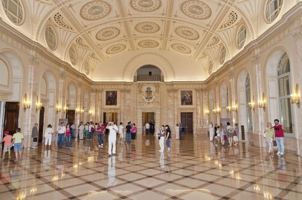 Alarmă! Se golesc muzeele României