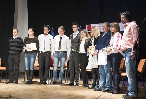 """Câştigătorii concursului regional de recitări şi grafică """"Mihai Eminescu"""""""