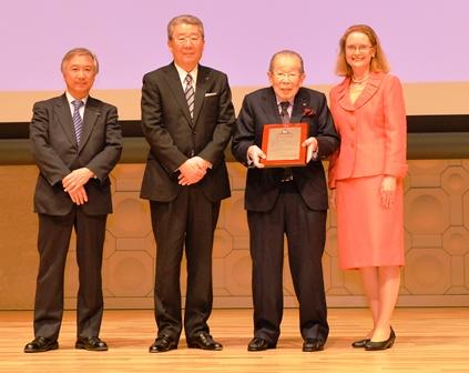 Cel mai longeviv medic practicant din lume a împlinit 103 ani