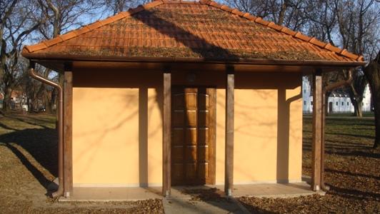 Proiect transfrontalier finalizat…în continuare WC neutilizabil. Fără WC public în Carei