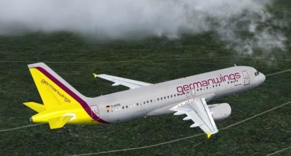 Avionul prăbuşit a fost setat manual să coboare la 30m