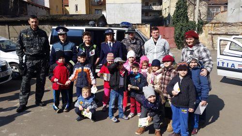 Viitori poliţişti la aniversarea Poliței Române