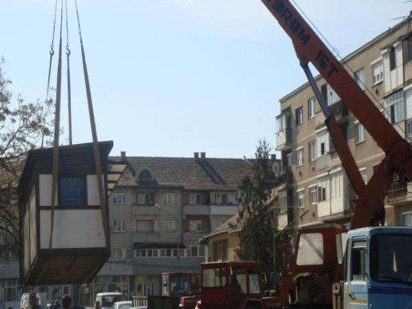 Au fost ridicate chioşcurile amplasate ilegal în municipiul Carei
