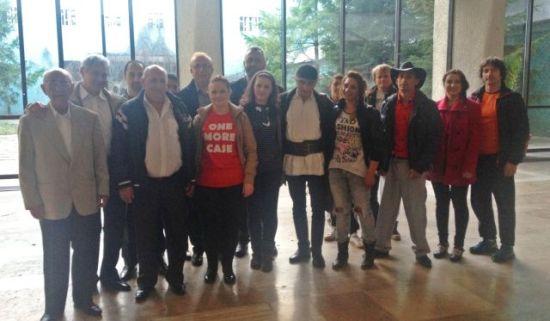 Membrii ai comunităţii din Cetatea Ardud, la emisiunea ,,Drumul lui Leşe''
