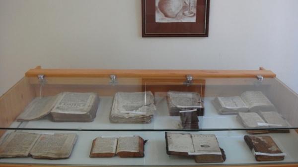 Expoziţie de carte veche românească la Muzeul Municipal Carei