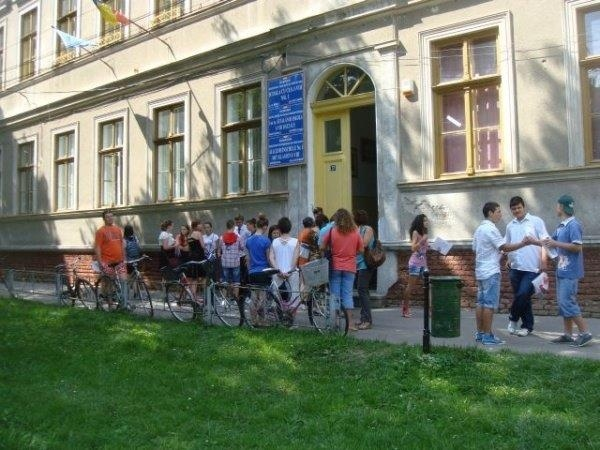 10 elevi cu nota mai mică după contestaţii