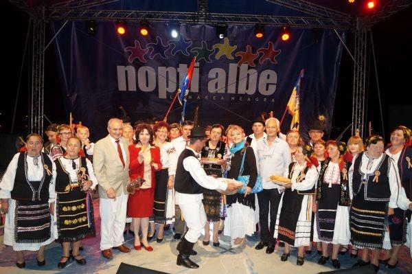 Şezătoarea tradiţională românescă din Câmpia Careiului a fermecat publicul din Mangalia