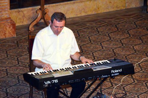 Recitalul Gheorghe Iovu
