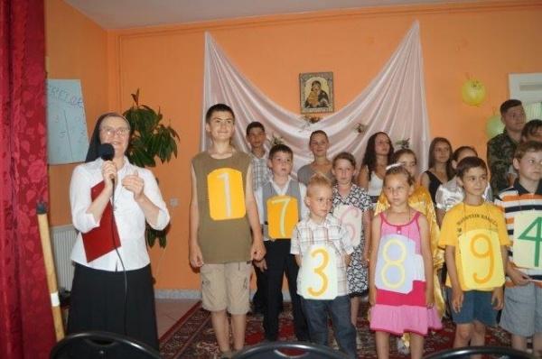 Final de an la Centrul de zi patronat de surorile greco-catolice
