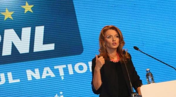 Gorghiu: Sancțiunea primită de Ponta este fără precedent în cazul unui premier în funcție