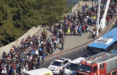 România, obligată să plătească 7000 de euro/lună/refugiat