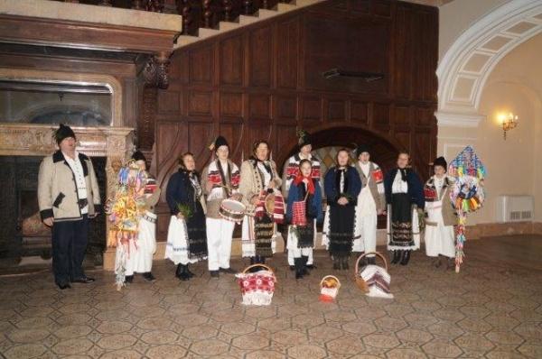 Înscrieri pentru a treia ediţie a Festivalului de Datini şi Obiceiuri de Crăciun