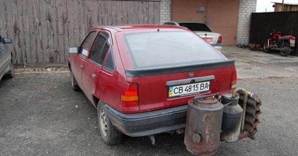 Maşini pe lemne în loc de benzină