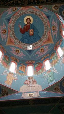 Alo, Primăria? Pictura murală a cupolei Bisericii ortodoxe din Ianculeşti e finalizată. Când viraţi suma aprobată prin HCL?