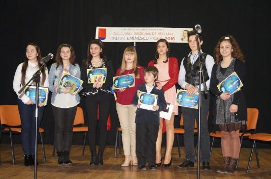 Liceul Teoretic câştigă ambele secţiuni ale concursului de recitări