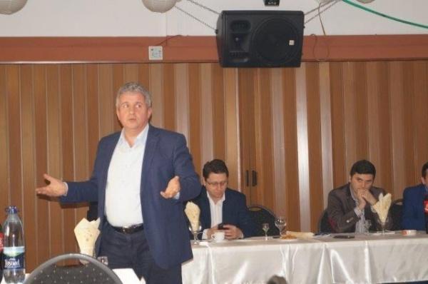 Fermierii careieni în dialog cu europarlamentarul Daniel Buda