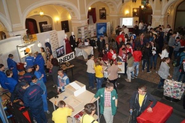 Campanie de orientare vocaţională. 11 mai – prezentarea ofertei educaționale a liceelor din Carei la castelul Karoly