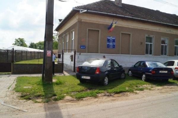 Biroul electoral din Carei şi cu preşedinta  secţiei 84 de votare dau de pământ cu prevederile BEC. Au fost vizate voturile de la Casa de bătrâni