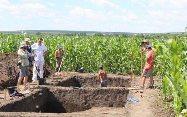 Descoperire arheologică unicat: templu uriaş vechi de 7.000 de ani pe malul Prutului