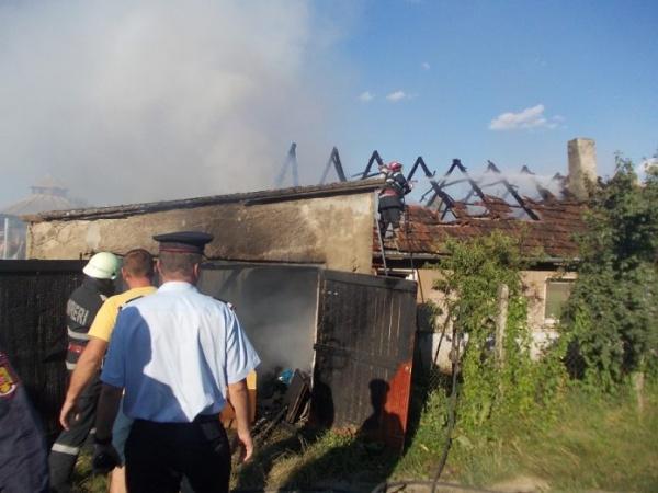 Incendiu pe strada Miron Costin din Carei