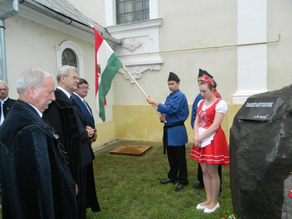 Tokes Laszlo îl demască ca turnător la Securitate pe actualul episcop reformat al Oradiei