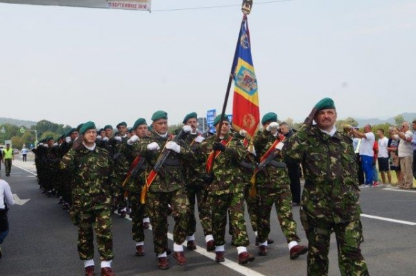 2.200 de posturi disponibile în Armată. A început recrutarea rezerviştilor voluntari în Armata Română