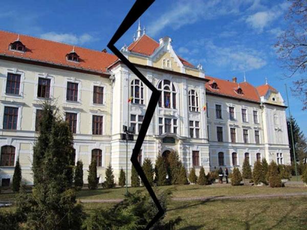 """Proprietarul de drept al clădirii Liceului """"Unirea"""" din Târgu Mureş"""