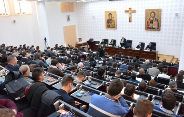 Preasfinţitul Iustin Sigheteanul la Simpozionul internaţional dedicat educaţiei creştine de la Cluj-Napoca