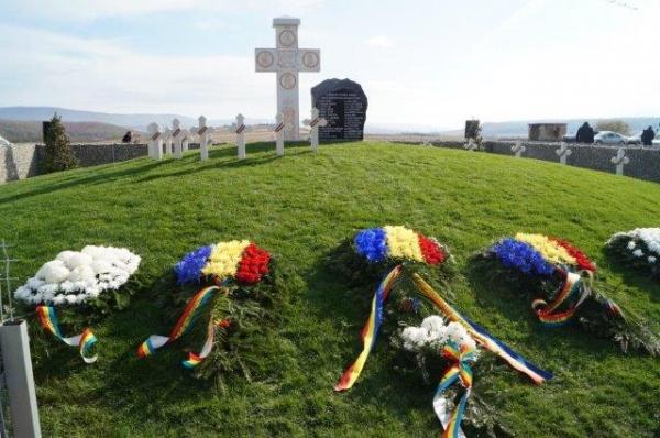 Sfințire de Monument închinat Eroilor români căzuţi la datorie în 19 octombrie 1944