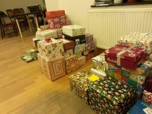 """""""Cutia cu cadouri"""" a adunat 55 de daruri"""
