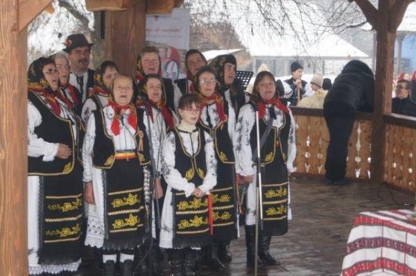 Premiul II pentru moţii din Marna la Festivalul de Datini și Obiceiuri de Iarnă de la Negreşti-Oaş