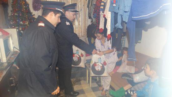 Pompierii sătmăreni  ,,salvează Crăciunul,,  unor copii săraci