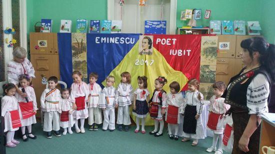 """Manifestări ale elevilor şi preşcolarilor dedicate """"Zilei Culturii Naționale"""" la Carei"""