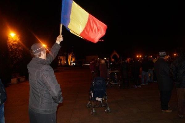 Mai mulţi protestatari la Carei în a treia zi de manifestări