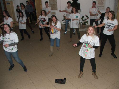 Flashmob cu protagonişti elevi