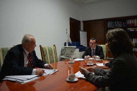 Ministrul Gabriel Petrea la masa dialogului cu partenerii sociali
