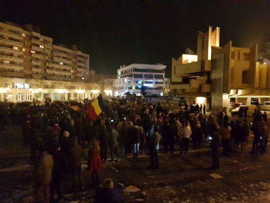 La Satu Mare proteste la sediul PSD. La Carei abia de mâine încep