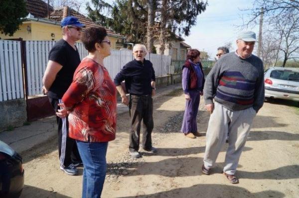 Careienii care reclamă gunoaiele de pe stradă şi Marea Păcăleală