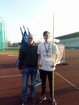 DENIS ŢICLE din Carei în lotul României pentru Campionatul Mondial de Atletism jII