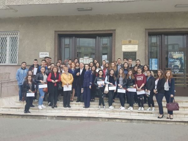 """,,Trecut spre viitor – Cunoaşte şi protejează patrimoniul cultural naţional!""""  activitate a Poliţiei Române"""