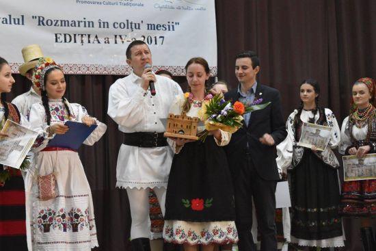 """Marele premiu la ,,Rozmarin în colțu' mesii"""" ediția a IV-a"""