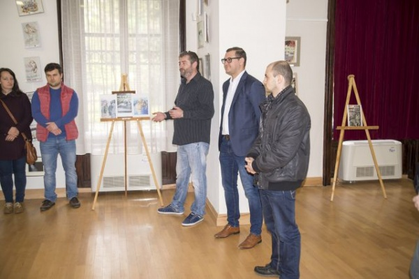 Expoziţie caritabilă de desene la Carei