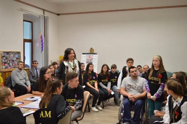 Voluntarii de la Invictus Carei în vizită la Asociaţia Werdnig Hoffman