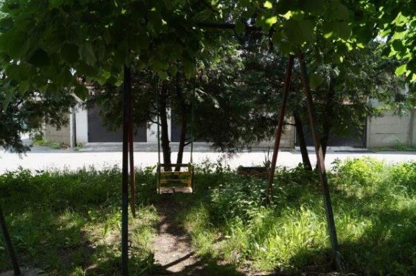 Loc de joacă şi cartier din Carei