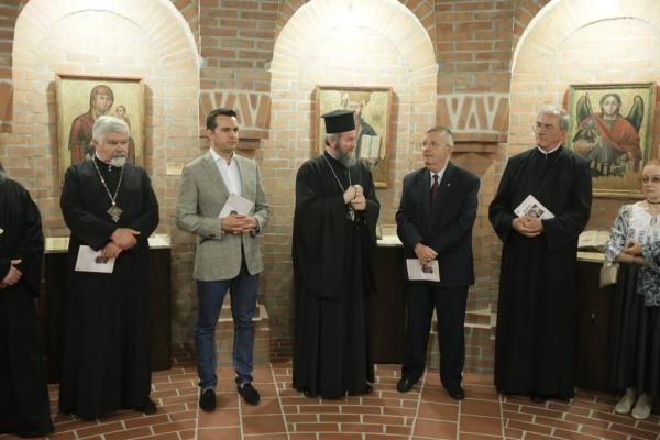 Expoziţie de icoane vechi din bisericile de lemn din Eparhia Maramureşului şi Sătmarului
