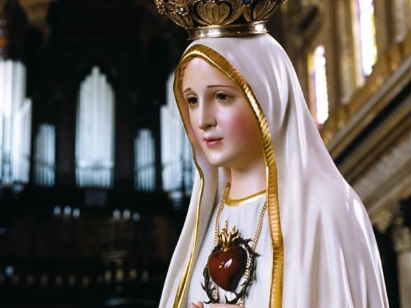 Statuia Fecioarei Maria de la Fatima, în pelerinaj la Carei