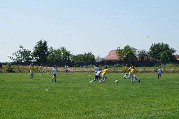 Fotbal feminin la Carei. Meci de pregătire cu Independența Baia Mare