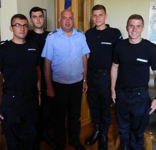 Patru elevi jandarmi în practică la I.J.J. Satu Mare