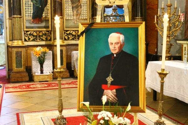 20 de ani de la trecerea la Domnul a episcopului careian Vasile Hossu