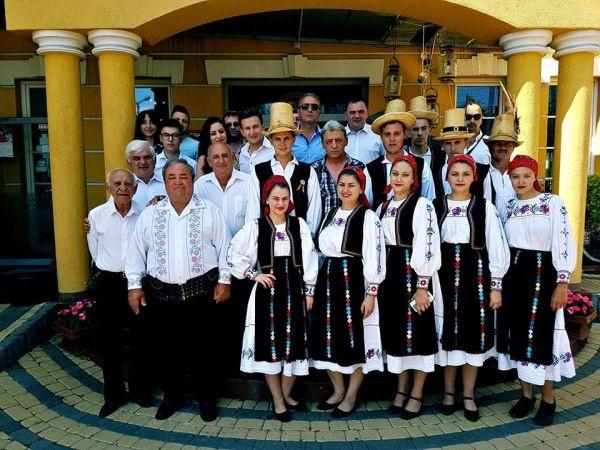 """Premiu de popularitate în Polonia pentru Ansamblul folcloric """"Cetatea Codrului"""" din Ardud"""